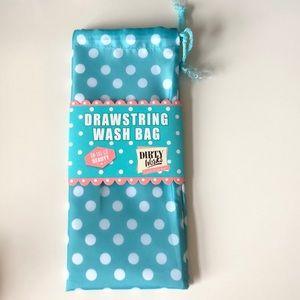🧺 Drawstring Wash Bag